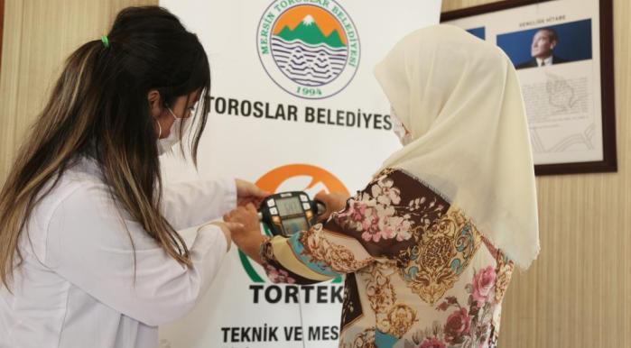 TOROSLAR BELEDİYESİ SAĞLIKLI BESLENME KURSU' AÇTI