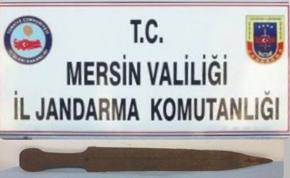 MERSİN'DE LEJYONER KILICI ELE GEÇİRİLDİ