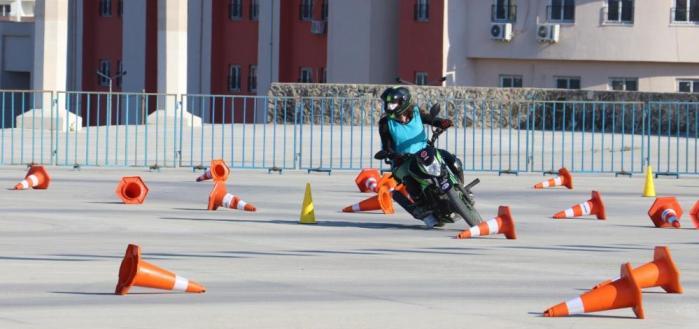 MOTOSİKLET SÜRÜŞ BECERİLERİ ETKİNLİĞİ NEFES KESTİ