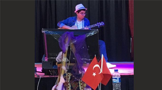 ANAMUR ANADOLU LİSESİ'NİN MÜZİSYEN ACAR'I DÜNYA'NIN FİNALİSTİ OLDU