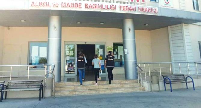 MADDE BAĞIMLISI KADIN POLİSİN DESTEĞİYLE TEDAVİYE BAŞLADI