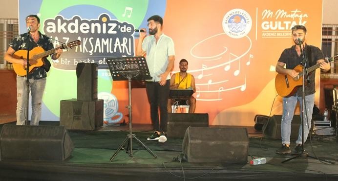 AKDENİZ'DE 30 AĞUSTOS ZAFER BAYRAMI KONSERLERLE KUTLANDI