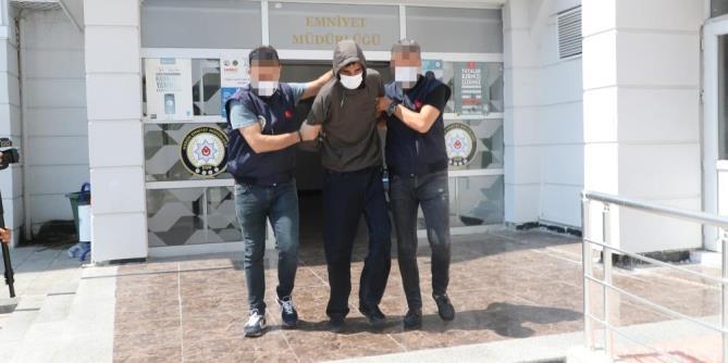 MERSİN'DE GASP GİRİŞİMİNİ POLİS ENGELLEDİ
