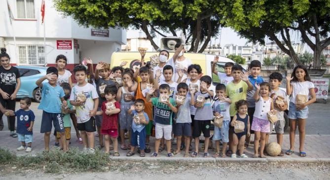 MERSİN'DE 'VAHAP AMCA'LA TATLI GÜNLER' PROJESİ 120 BİNİN ÜZERİNDE ÇOCUĞA ULAŞTI